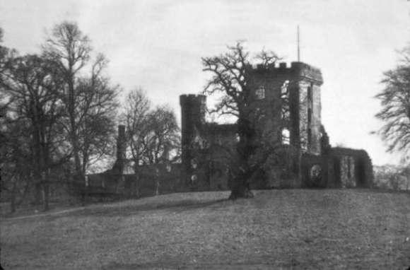 herbertshire castle